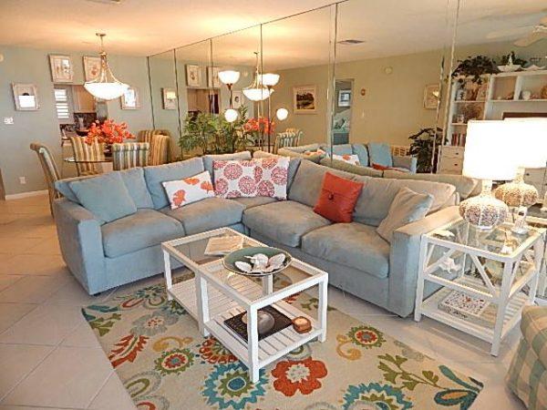 Crescent Royale Condominiums Living Room