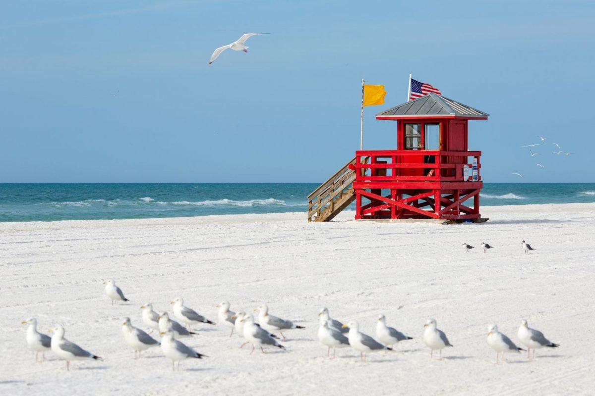 lifeguard stands on siesta key beach